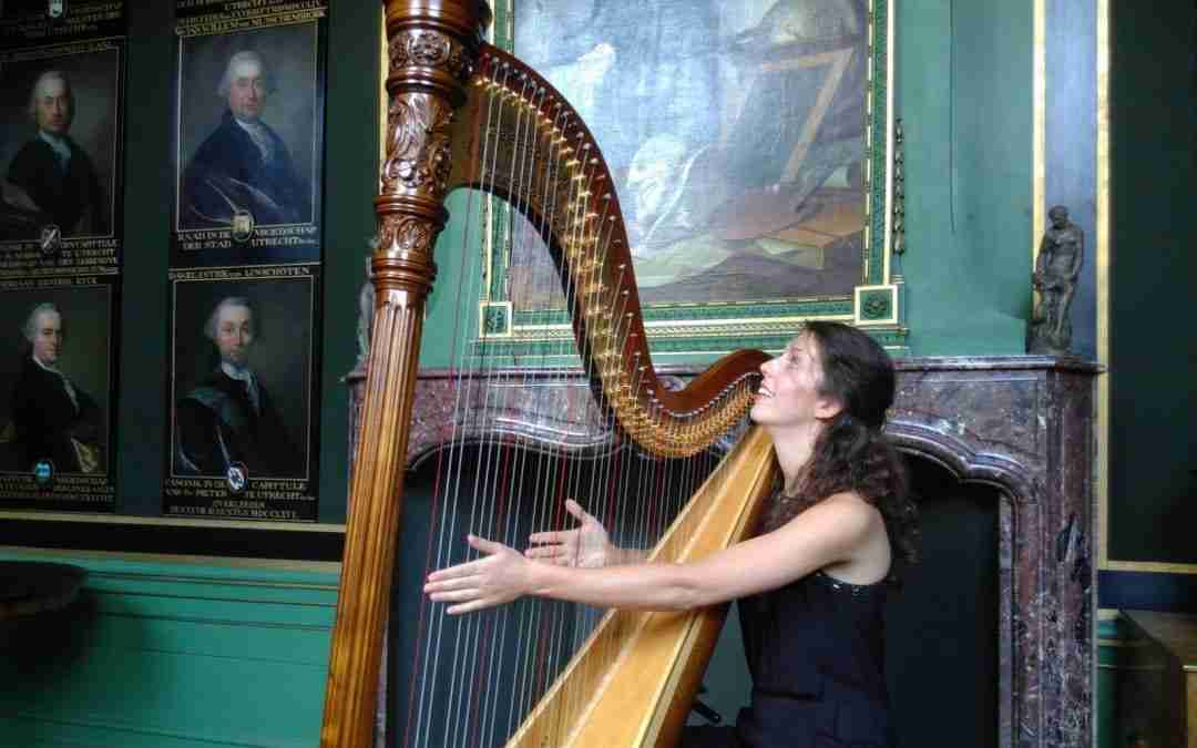 Harpiste Beate Loonstra geeft benefietconcert in teken van familiegeschiedenis