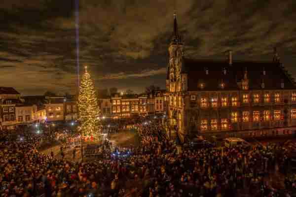 De 64e editie van Gouda bij Kaarslicht – Vrijdag 13 december 2019